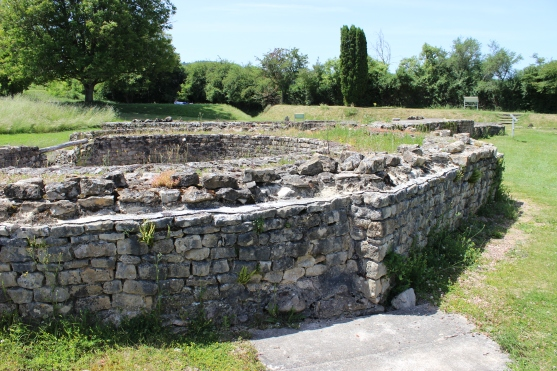 The women's bath at Fontaines Sallees