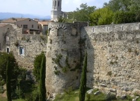Girona walls and tower